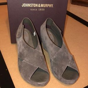 J&M Tori Light Gray suede wedge sandals size 7M